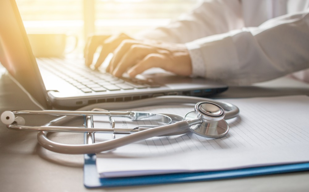 improve healthcare customer service