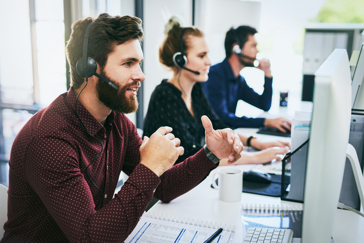 outsourcing customer service vs in house