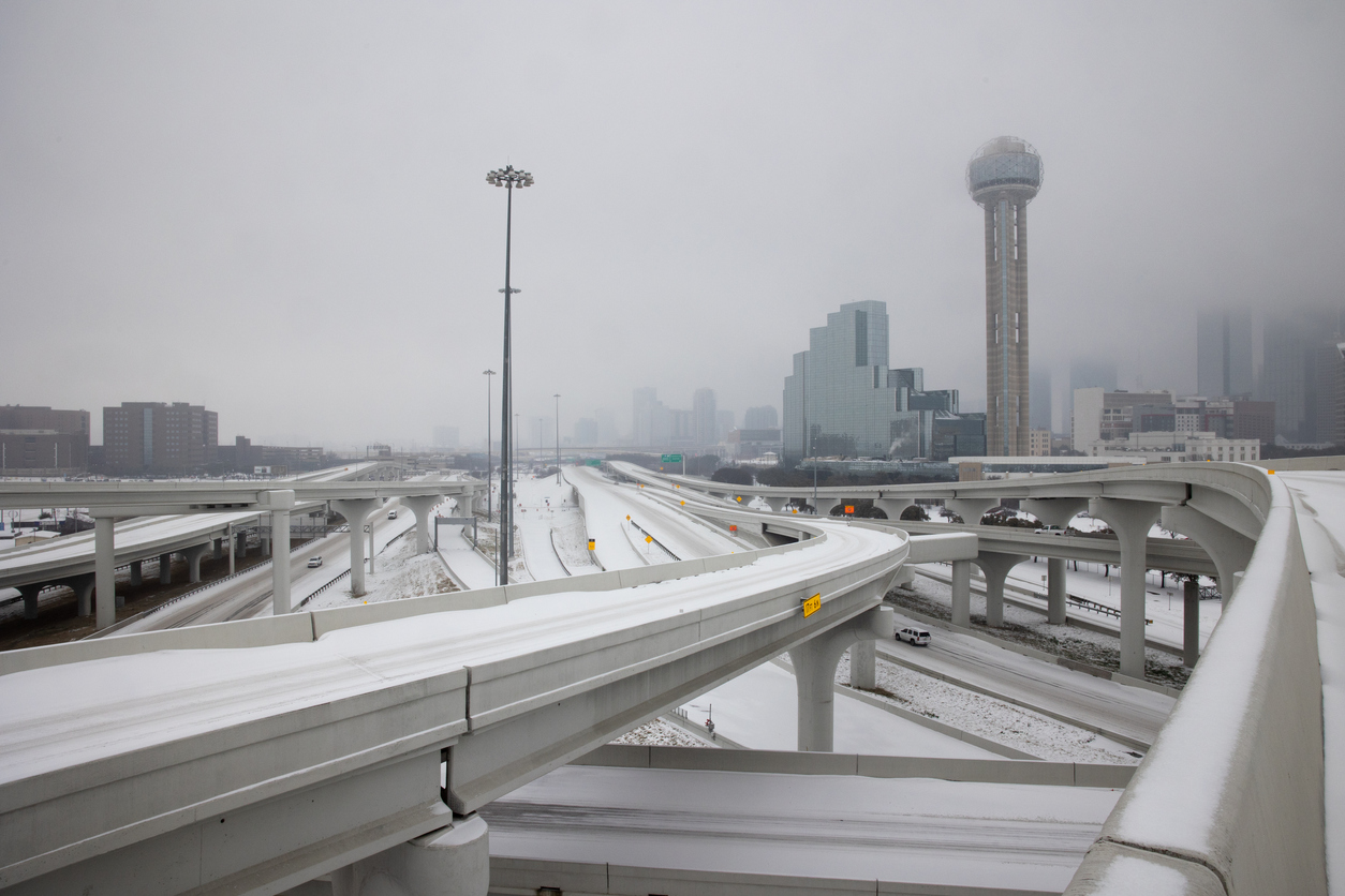 Winter Storm Uri blankets the DFW area with snow